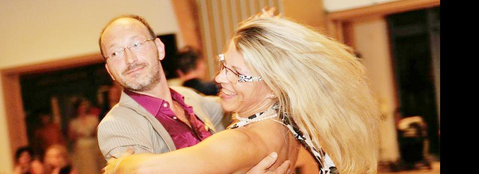 Die Tanztrainer Elke und Fritz: Sie haben selbst mehrere Jahre in der höchsten Amateurklasse (SenIS) getanzt.