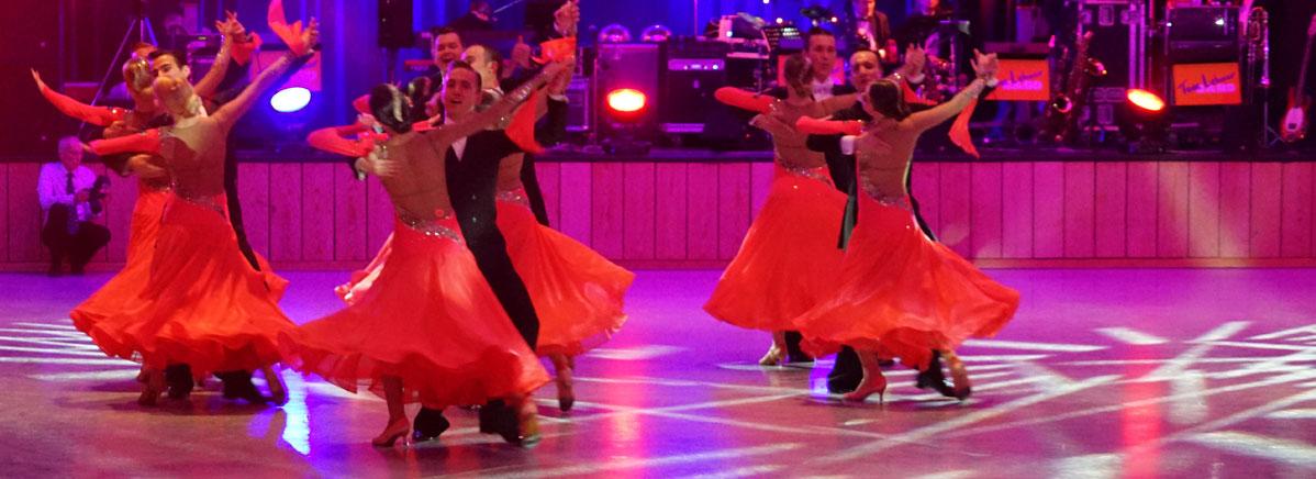 Die Bundesliga-Formation des TSC Rot-Gold-Casino Nürnberg präsentierte sich gewaltig mit Stücken aus einem Musical: Tarzan!