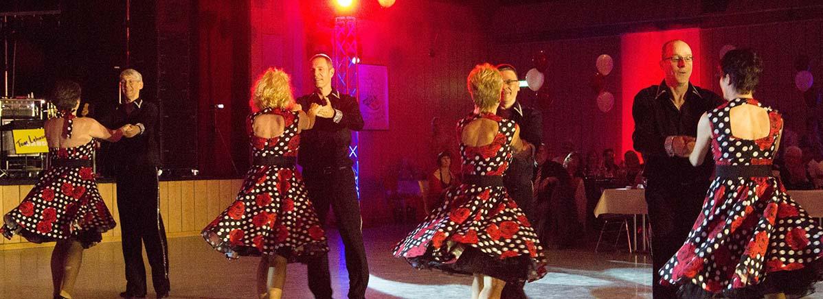 ein Titel, sieben verschiedene Tänze, hier: in die Windmühle des Disco Fox